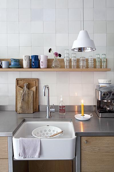 Brocante Keuken Planken : hout, wit & rvs -