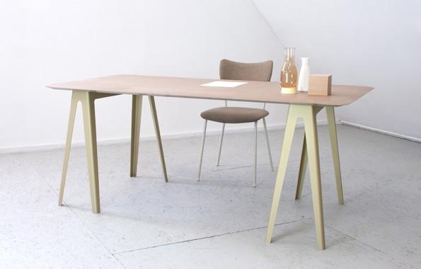 De Lightness Table