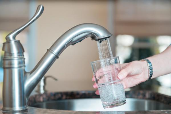 Water besparen in de keuken.